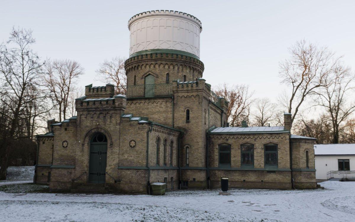 2018. Vad som ska hända det gamla observatoriet i Stadsparken har stötts och blötts av lokalpolitikerna - men något beslut är inte fattat.