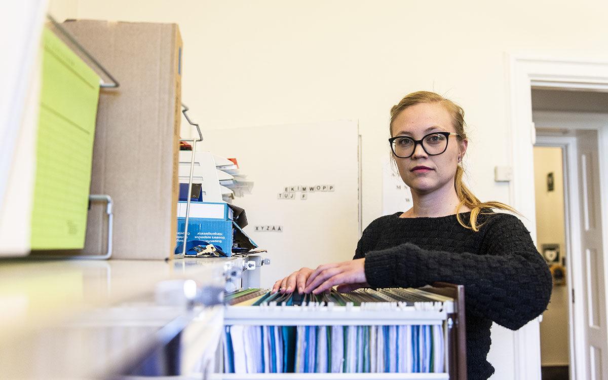 Josephine Stensson, jurist på Hyresgästföreningen. I artikeln berättar hon om när man ska betala för en borttappad nyckel.